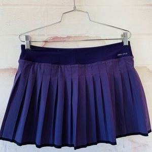 Womens Nike pleated victory skirt. M
